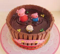 Bolo Da Peppa Pig, Peppa Pig Birthday Cake, Peppa Pig Cakes, Peppa Pig Cupcake, Cupcakes, Cupcake Cakes, Cupcake Ideas, Bolo Neked Cake, Aniversario Peppa Pig