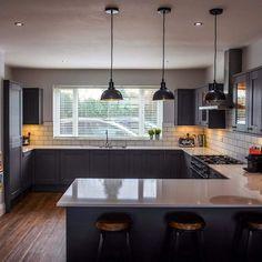 Kitchen Room Design, Modern Kitchen Design, Home Decor Kitchen, Interior Design Kitchen, Cosy Kitchen, Open Plan Kitchen Dining Living, Open Plan Kitchen Diner, Living Room Kitchen, Small Open Plan Kitchens