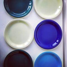 "Polubienia: 9, komentarze: 0 – modern (@modern_old2new) na Instagramie: ""Pottery set of 6 plates 8.15"" made in Norway by Inger Waage in 60s in Stavangerflint. 4 plates…"" Tutti Frutti, Norway, Scandinavian, Pottery, Plates, Tableware, Modern, How To Make, Instagram"