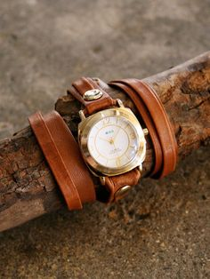 aubrey leather wrap watch (La Mer)
