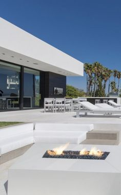 Laurel Way house in Beverly Hills by Whipple Russell Architects _