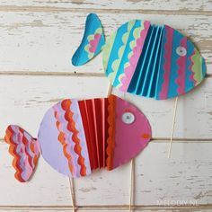 Diy For Kids, Crafts For Kids, Paper Puppets, Sea Crafts, Green Paper, What To Make, Fun At Work, Art School, Hand Fan
