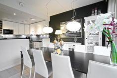Sisustus - Ruokailutila - Moderni Kitchen Dining, Dining Room, Interior, Table, Houses, Furniture, Heart, Home Decor, Homes