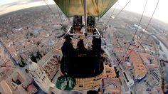 Volando en globo sobre la Catedral de la Asunción de la Virgen.