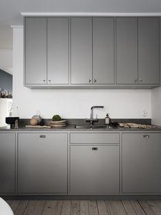 Nordic Kitchen – Gray framed minimalist kitchen with limestone. Grey Kitchen Cabinets, Home Kitchens, House Design Kitchen, Contemporary Kitchen, Kitchen Renovation, Kitchen Decor, Kitchen Cabinet Trends, Kitchen Interior, Kitchen Cabinets