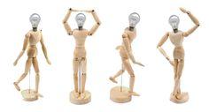 Lámparas con maniquíes de madera • Lamps from wooden mannequins + bulb lamps