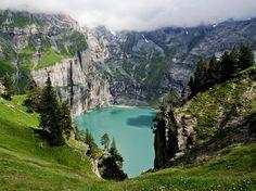 Lago Öschinensee, Lötschberg, Svizzera