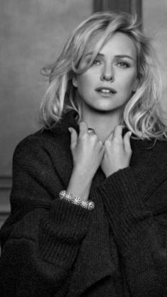 Naomi Watts, Flawless Beauty, Timeless Beauty, Actrices Hollywood, Jessica Chastain, Charlize Theron, Gal Gadot, Hollywood Celebrities, Beautiful Actresses