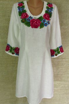 Sewing-machine-made Ukraine-folk-style embroided women dress ! front, back side on pictures