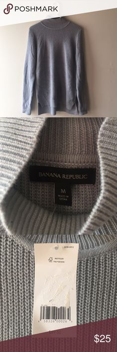 Banana Republic Grey Turtle/Mock Neck Sweater Brand New With Tags! Received as gift, but I live in LA and this thing is so freaking warm that I would never wear it!!! Banana Republic Sweaters Cowl & Turtlenecks
