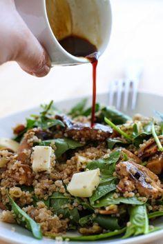 Quinoa con Espinaca, Champiñones y Queso de Cabra - El Sabor de lo Bueno Veggie Recipes, Real Food Recipes, Vegetarian Recipes, Cooking Recipes, Healthy Recipes, Salade Healthy, Clean Eating Snacks, Healthy Eating, Nutrition