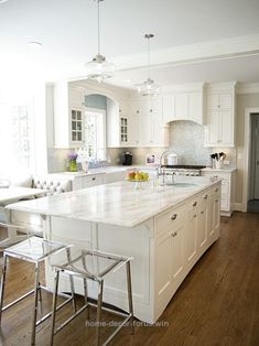 Superb Traditional White Quartz Countertops Design, Pictures, Remodel, Decor and Ideas The post Traditional White Quartz Countertops Design, Pictures, Remodel, Decor and Ideas… appeared fir ..