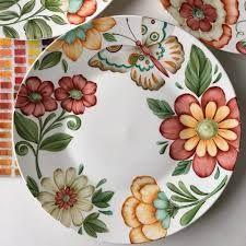 Resultado de imagen para @maria_cassina Plate Wall Decor, Plates On Wall, Art Decor, Porcelain Ceramics, Ceramic Plates, Decorative Plates, Abstract Flower Art, Plate Art, Plate Design