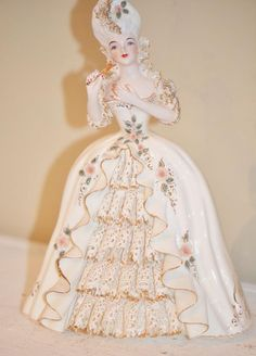 My Marie Antoinette Statue, I have Louis to,found these on Ebay really cheap they usually are pretty expensive, I lucked out on this deal.