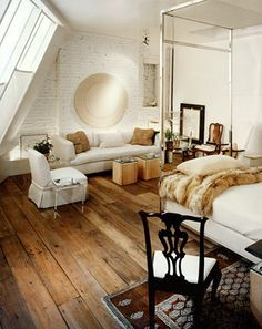 bedroom flooring complements the colors of the walls