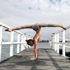 @sjanaelise in the #AloYoga Ultimate High Waist Legging #yoga #inspiration