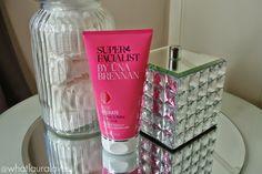 Super Facialist by Una Brennan Rose Hydrate Brighten and Refine Facial Scrub