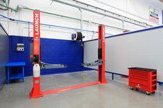 Interior Car Wash, Garage Interior, Decorating With Pictures, Decorating Blogs, Garage Shop, Car Garage, Garages, Interior Barn Door Hardware, Best Gas Mileage