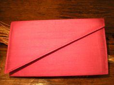Clutch de seda pink com aba diagonal - vendida!