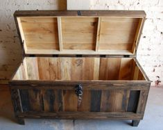 Hope Chest/ Toy Box/ Storage/ Small Chest/ Reclaim Wood/