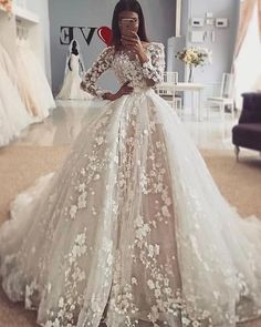 Elegant Jewel Ivory Flowers Long Sleeve Wedding Dress with Detachable Skirt Elegantes Juwel Elfenbein Blumen Langarm Brautkleid mit abnehmbarem Rock Red Wedding Dresses, Wedding Dress Trends, Princess Wedding Dresses, Bridal Dresses, Wedding Gowns, Dresses Uk, Sexy Dresses, Summer Dresses, Wedding Lehnga