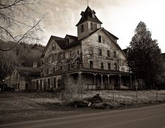 I <3 haunted houses.