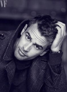 theo james | theo-james-divergent-actor-photos.sw.9.theo-james-ss05 – Shelf to ...