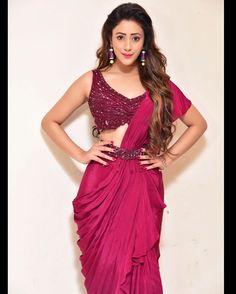 Saree With Belt, Sarees For Girls, Embellished Crop Top, Function Dresses, Saree Wearing, Crop Tops Online, Saree Look, Sleeveless Crop Top, Saree Styles