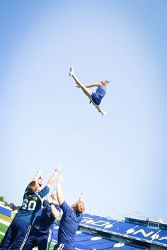 This isn't my team, but I love this picture because this girl is thrown so high in her basket! AMAZINGGGG! <3