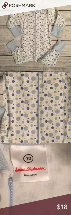 Hanna Andersson Polka dot sleeper in EUC. Size 70/6-12 months. These are an older style and run a bit bigger. They can probably fit up to 18 months Pajamas