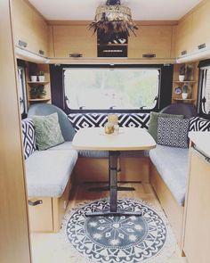 Travel Camper, Camper Caravan, Diy Camper, Diy Caravan, Camper Interior Design, Airstream Interior, Van Interior, Caravan Makeover, Caravan Renovation