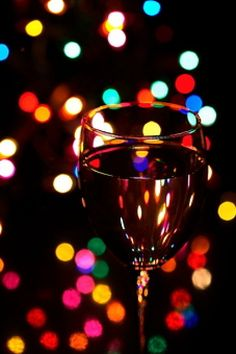 Resultados de la Búsqueda de imágenes de Google de http://static.freepik.com/foto-gratis/objeto-copas-de-vino-bebida-fondo-negro_3122909.jpg