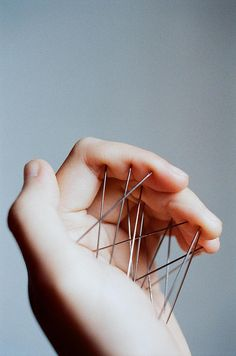 On pins & needles. On pins & needles. Alluka Zoldyck, Hisoka, Symbol Hand, Erik Lehnsherr, Catty Noir, Juuzou Suzuya, Art Plastique, Acupuncture, Art Photography