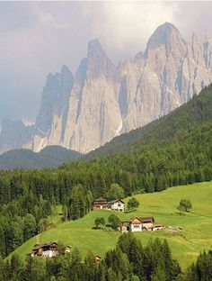 Amazing Places that will Leave you Without Words - Val di Funes, Dolomites, Italy provincia autonoma di Bolzano Places Around The World, Oh The Places You'll Go, Places To Travel, Places To Visit, Around The Worlds, Beautiful World, Beautiful Places, Amazing Places, Voyage Europe