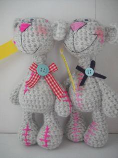 cute teddies Crochet Teddy, Crochet Bear, Cute Crochet, Crochet Toys, Beren, Knitted Dolls, Knits, Dinosaur Stuffed Animal, Knitting