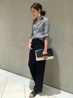 JOURNAL STANDARD 難波店|JOURNAL STANDARD Lady's 難波店スタッフさんのパンツ「シャンブレーラチネパンツ#(JOURNAL STANDARD|ジャーナルスタンダード)」を使ったコーディネート Japan Fashion, Work Fashion, Fashion Pants, Daily Fashion, Everyday Fashion, Fashion Outfits, Womens Fashion, Looks Style, My Style