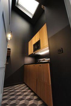 La chouette d'or, Dijon – Tarifs 2019 Kitchen Cabinets, Home Decor, Owls, Decoration Home, Room Decor, Cabinets, Home Interior Design, Dressers, Home Decoration
