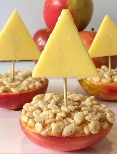 Simple Kids Snack Ideas: Crunchy Apple Boats You will need: Apples – each apple makes two boats Your favourite spread – we used peanut butter but you could try honey, sun butter or Nutella Puffed rice or Rice Bubbles Cheese Toothpicks basiccooking Toddler Snacks, Healthy Snacks For Kids, Snack Ideas For Kids, Fun Food For Kids, Toddler Daycare, Lunch Ideas, Lunch Snacks, Boat Snacks, Kids Party Snacks
