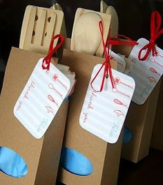 Julie Adama posted Bunny Party Favor Bags PDF to her -easter holiday- postboard via the Juxtapost bookmarklet. Baking Birthday Parties, Baking Party, Kid Parties, Master Chef, Class Birthdays, Chef Party, Bunny Party, Cooking Classes For Kids, Party Favors