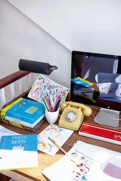 Un espacio de trabajo para mayores y pequeños :) http://decoratualma.blogspot.com.es/2013/09/londres-mix.html