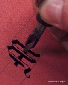 März in Blackletter Kalligraphie<br> Calligraphy Worksheet, Calligraphy Video, Calligraphy Tutorial, Hand Lettering Tutorial, Calligraphy Drawing, How To Write Calligraphy, Calligraphy Handwriting, Calligraphy Letters, Penmanship