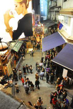 Night life in Hong kong #voyagewave #hongkongholidays -->>www.voyagewave.com