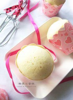 简单 の 生活: 椰浆小蛋糕 材料 : 全蛋                     2粒 细砂糖                 90g 自发粉                 160g 椰浆                     100g