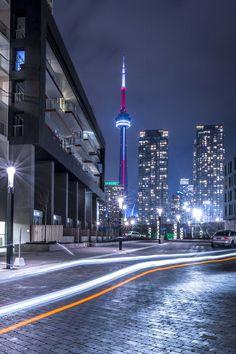 Toronto Views's albums Toronto City, Downtown Toronto, Night Aesthetic, City Aesthetic, Cn Tower Restaurant, Paris Wallpaper, Wallpaper Canada, Toronto Apartment, Immigration Canada