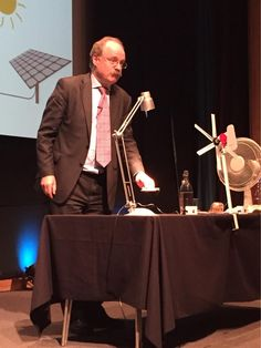 Wind energy and solar - challenge of intermittent generation demonstrated by @uksciencechief #SU2015 @NHM_Live