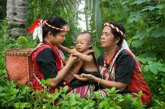 Ètnia Dayak, Borneo.