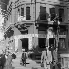 1947 - Demolição do prédio da Delegacia Fiscal no Vale do Anhangabaú com avenida São João. Início das obras para desobstrução e alargamento para implantação de avenidas no local, onde atualmente temos a avenida Prestes Maia.