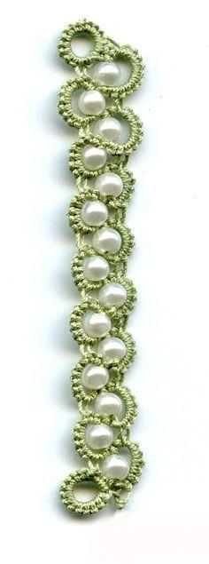 bracelet en frivolité avec perles