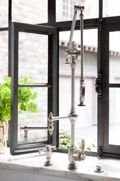Waterstone Gantry Pulldown Faucet