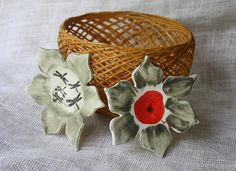 Bun Warmer Basket with Ceramic Inserts  by StellasTreehouse, $24.99